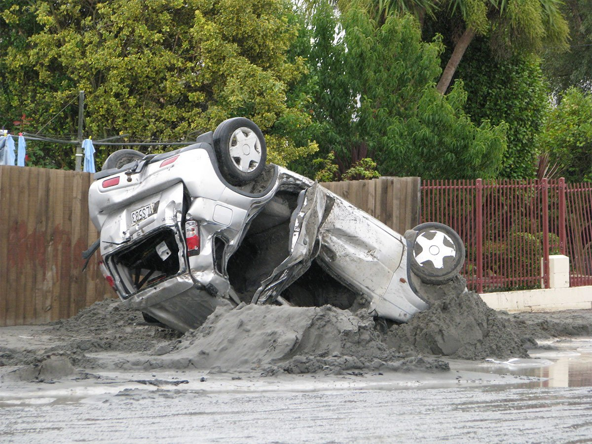 The car after being extracted from the silt